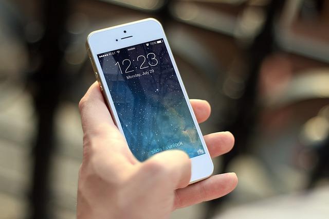 Telefón iPhone..jpg