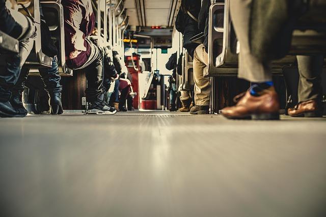 autobus doprava cestujúci.jpg
