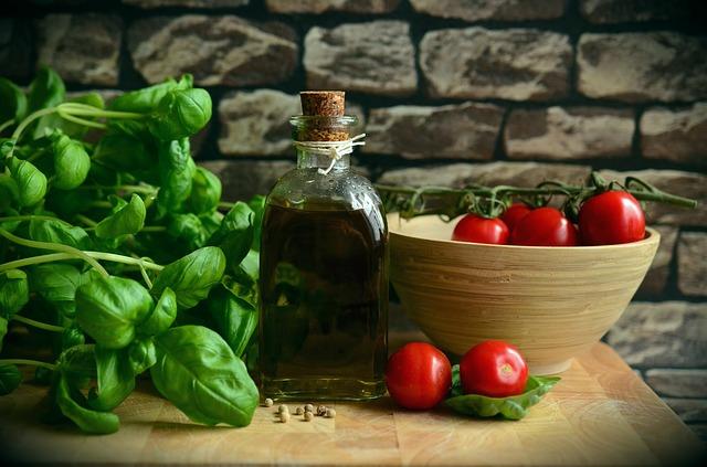 olivy, rajčiny, zdravé tuky.jpg